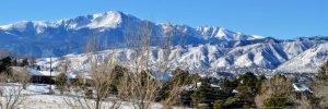 pikes peak with snow