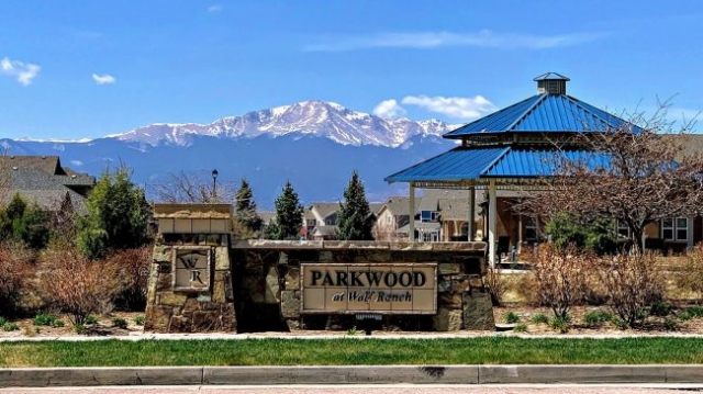 Parkwood Park with Pikes Peak views